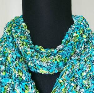 Knit scarf turquoise
